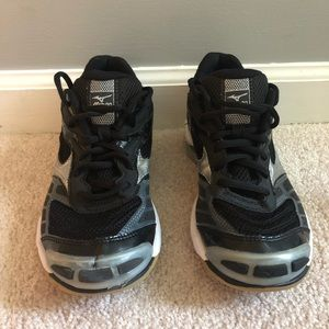 NEW Mizuno athletic court shoes